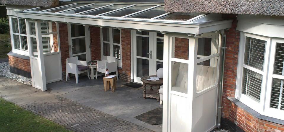 Klassieke houten veranda