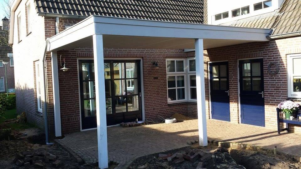 Moderne veranda met lichtstraat