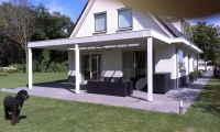 Veranda mooi geheel met woning
